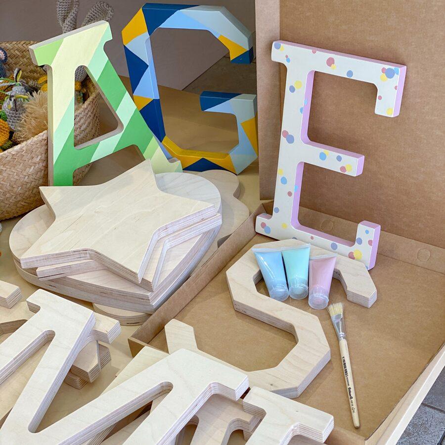 Burtiņa apgleznošanas komplekts ar 4 krāsām un 2 otām